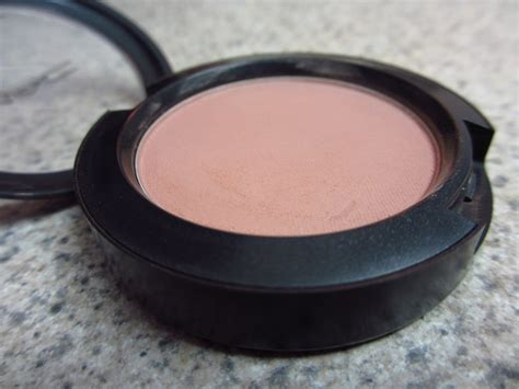 Mac 8 Color Eyeshadow 2 Color Blush 8213 eyeshadow addicts anonymous top 3 mac blushes for fair