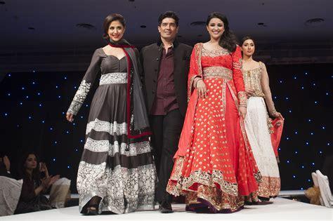 bollywood actresses  manish malhotra outfits