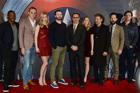 actor in captain america civil war chris evans on his admiration for captain america civil