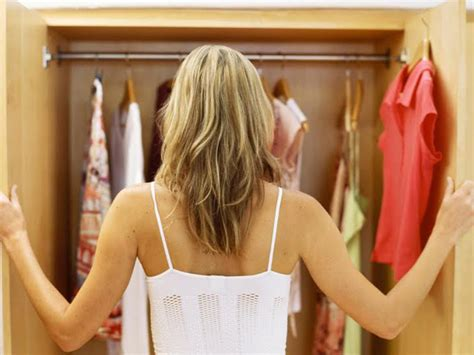 Cleaning Out Closet by 4 Easy Steps To An Organized Closet For