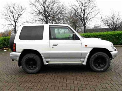 mitsubishi pajero 2 8 ltd edition swb 3 doors 4x4 automatic green low mileage long mot mitsubishi pajero swb 2 8 td flared arch 1998 4x4 rally art edition