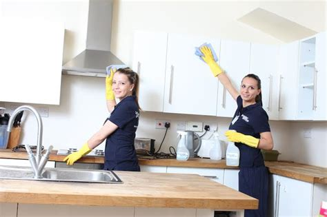 ensuring a quality service the house cleaning