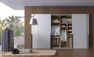 switching from built in wardrobes with hinged doors to