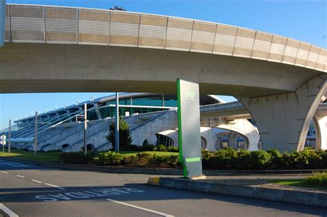 porto airport collecting your car hire from porto airport
