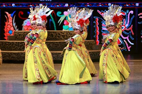 chinese dance styles traditional dancing through china sublime china