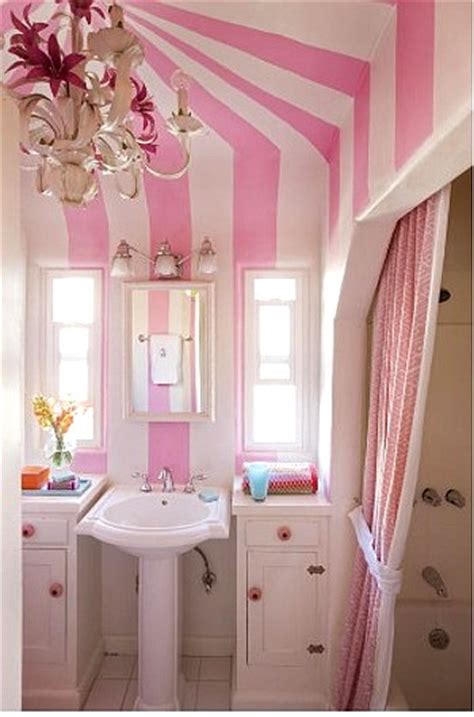 girls bathroom themes decoraci 243 n color rayas blanco y rosa en un rom 225 ntico