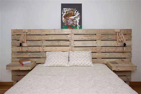 cabecero  la cama de palets  mesitas incorporadas home cama  palets muebles