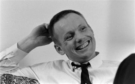 biography of neil armstrong in short neil armstrong childhood life pics about space