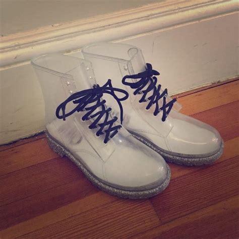 Harga Sepatu Doc Marten Original 587 best doc s images on shoe doc martens and ankle boots