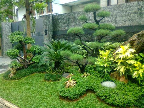 membuat taman  rumah istana alam landscaping