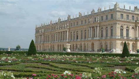 discover the palace of versailles and the city versailles visit the palace of versailles paris pariscityvision