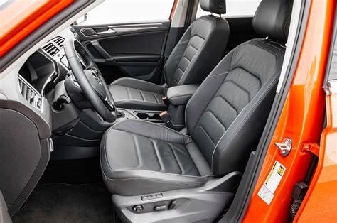volkswagen tiguan 2018 interior 2018 volkswagen tiguan front interior motor trend