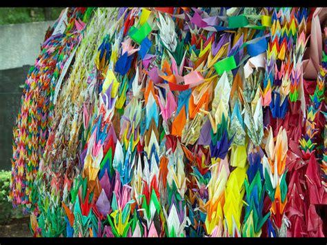 One Thousand Origami Cranes - 1000 paper cranes origami that commemorates survivors of