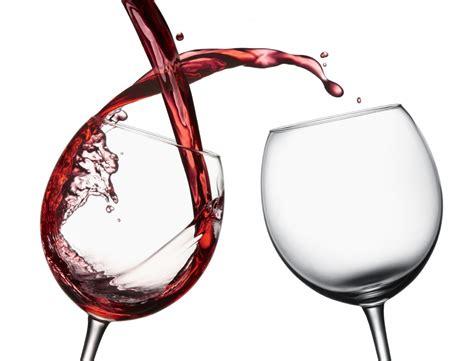 bicchieri di vino due bicchieri di vino al giorno la giusta dose per