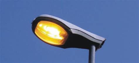 neri illuminazione pubblica 187 cremeno la luce torna al comune riscattati i lioni