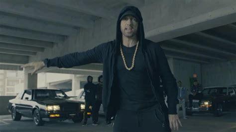 eminem on trump eminem attacks trump in freestyle rap at bet hip hop