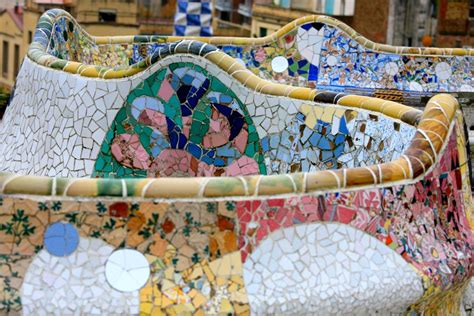 park guell bench file benches at park guell by antonio gaudi 4209976058