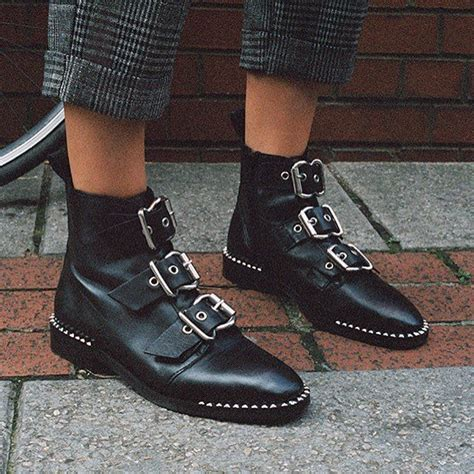 how style flat buckle boots at coachella
