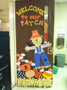 classroom fall door decorations 1000 ideas about fall bulletin boards on