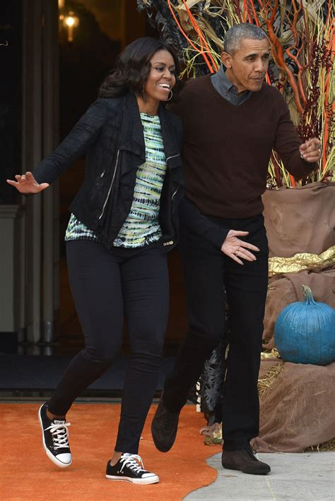 michelle obama halloween watch michelle obama dance to thriller in jimmy choo