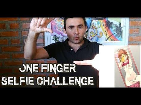 one challenge one finger selfie challenge surge nuevo reto viral