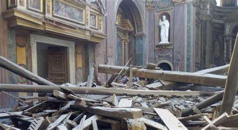 Chiesa Dei Ladari A Roma Crollo Chiesa A Roma Aperta Inchiesta Per Disastro Colposo