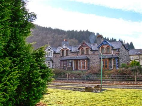 3 railway cottages in betws y coed this cosy terraced