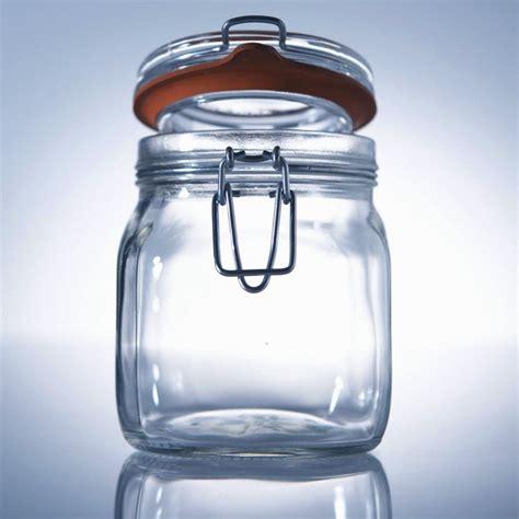 vaso di vetro il vaso di vetro i sassi la birra e le priorit 224 della vita