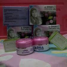 Krim Wajah Adha produk perawatan bibir terbaru dari liany