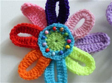 fiori uncinetto tutorial italiano come fare fiore colorato a uncinetto di