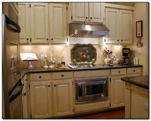 kitchen cabinets what colour walls how to coordinate paint color with kitchen colors with