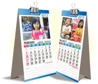 coretan kemarin gratis kalender meja 2013 vektor