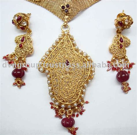 Indian Handmade Jewellery - posted bycheeky at 15 47