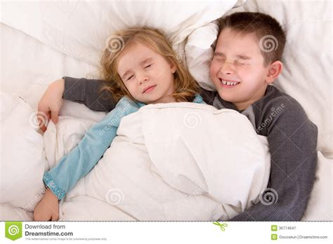 teen boys sleeping in bed together what is gopixpix