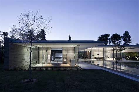 home design center israel float house pitsou kedem architects archdaily