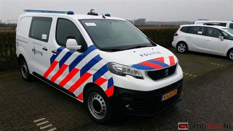 Lu Emergency Merk Reini scoop de politie test met deze nieuwe auto s autoblog nl