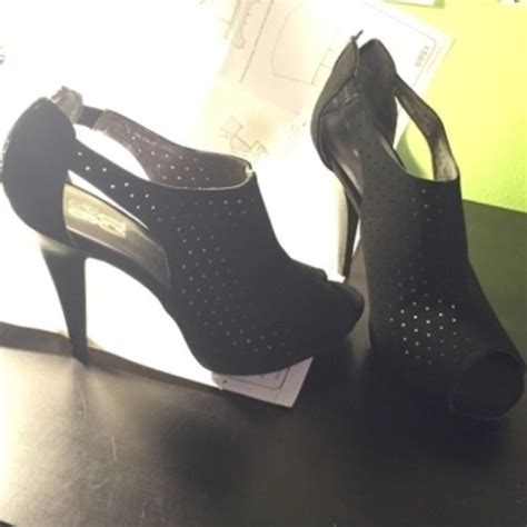 High Heels M41 63 63 jcpenney shoes 9 co black high heels from s closet on poshmark