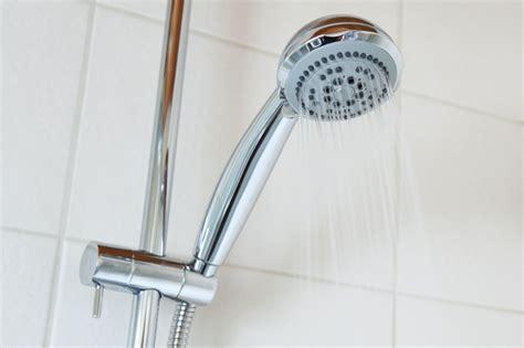 smontare soffione doccia come pulire il soffione della doccia pourfemme