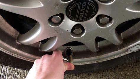 reifenluftdruck pkw reifen luft nachfuellen auto reifen aufpumpen reifendruck volvo  anleitung