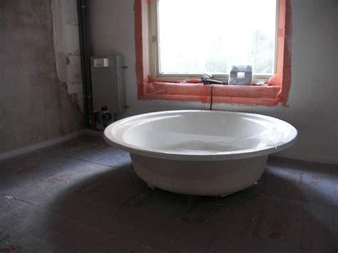 lesben badewanne blasen in der badewanne