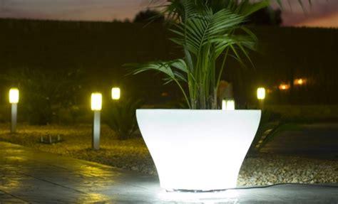 beleuchtung im garten ideen f 252 r indirekte beleuchtung im garten erhellen sie