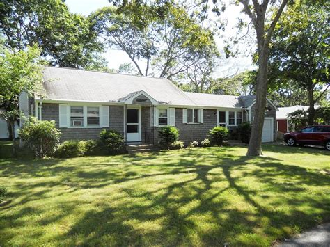falmouth vacation rental home in cape cod ma 02536 steps
