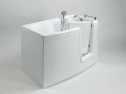 vasca bagno con porta vasca con porta e doccia accessibile senza barriere