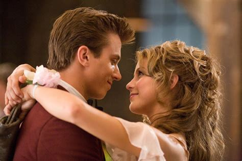does kenny wormald have an accent footloose trailer 2011