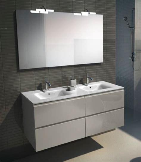 pisos y plomeria zaragoza es un mueble para el cuarto de ba 241 o de color blanco de