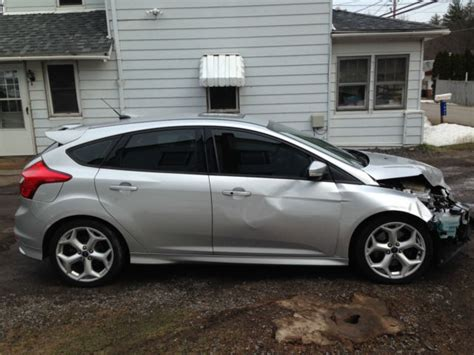 repair anti lock braking 2013 ford focus st lane departure warning 1fadp3l93dl201880 no reserve 2013 ford focus st turbo 6 speed easy fix wrecked rebuildable salvage