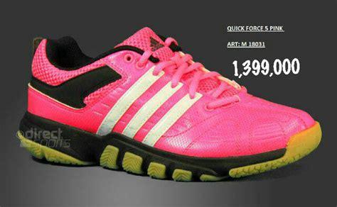 Sepatu Adidas Badminton Terbaru jual sepatu bulutangkis badminton adidas terbaru original loversa