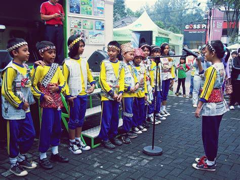 buat yel yel team kophi jawa barat launching kophi jawa barat 2013