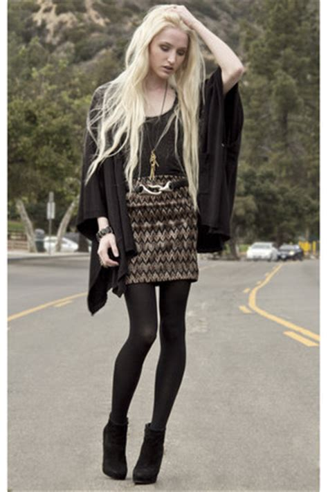 Winter Vintage Boot With Belt camel lf skirts barneys new york boots dkny tights