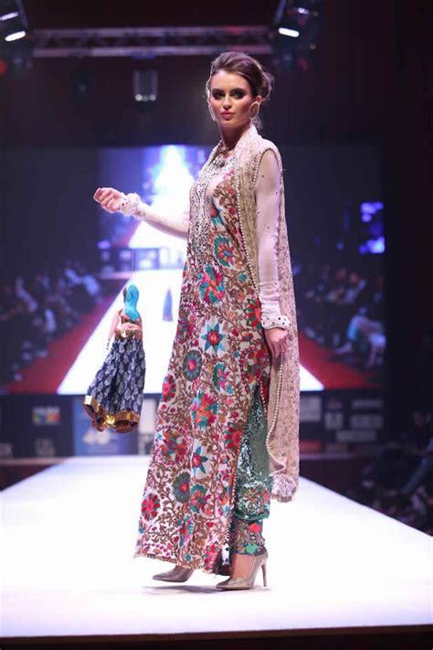 fashion design qatar braahtii by huma nassr bridal collection at qatar iff